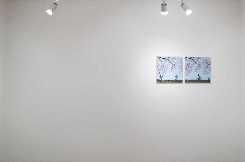 神田さやか写真展「あかねさす」奥の壁寄り